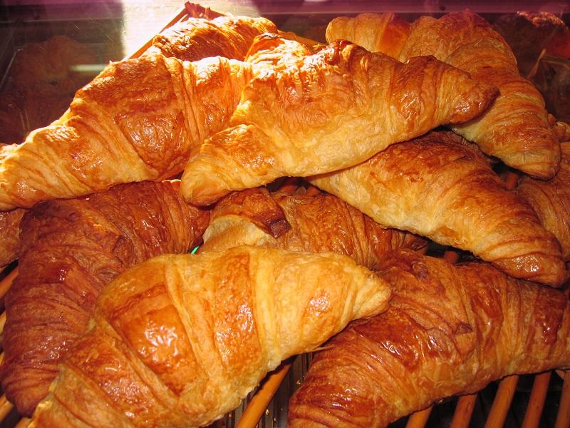 http://recettes.ameriquebec.net/wp-content/uploads/2011/05/Croissants-beurre.jpg